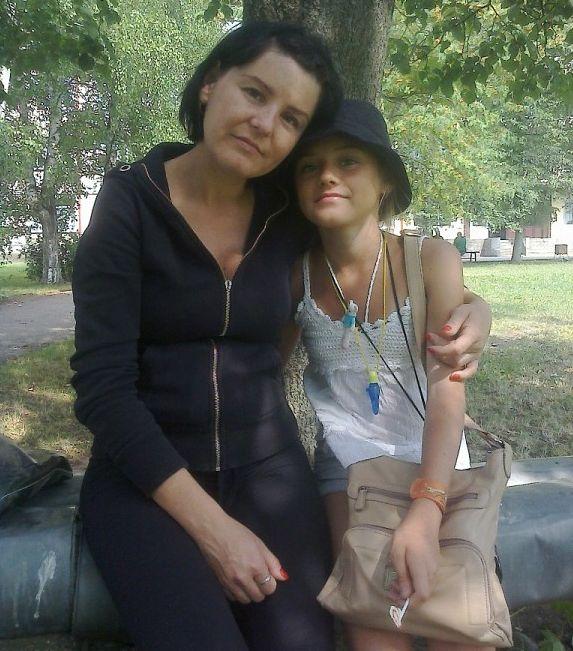 """-и-дочь Мать Ангелины Разиньковой, погибшей в больнице Калининграда: """"Врачи погубили мою дочь"""""""