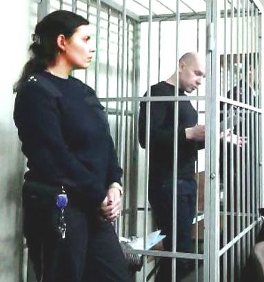 _пристав_1 Жучок в галстуке. Экс-глава УВД Мартынов узнал, как за ним шпионил руководитель СКР Леденёв.